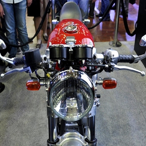 Royal Enfield Cafe Racer 500