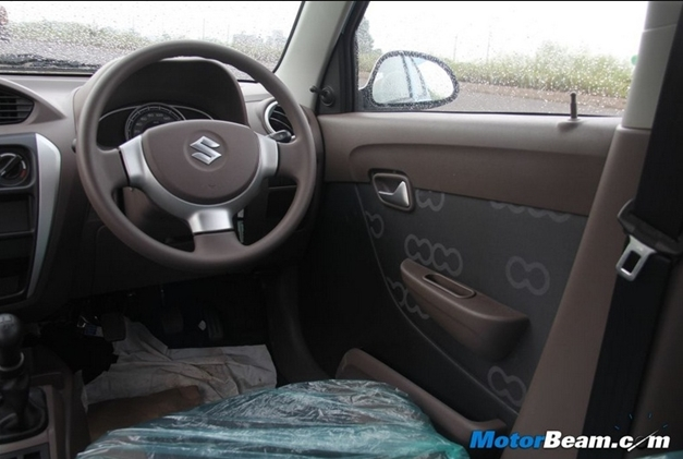 New maruti alto 800 interiorview for Interior decoration of maruti 800
