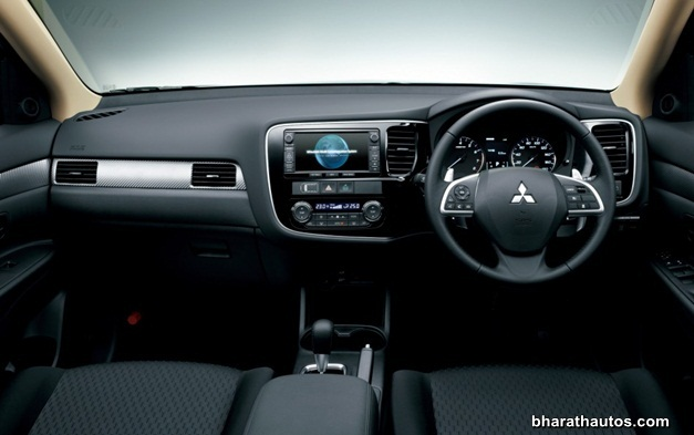 2013 Mitsubishi Outlander - InteriorView