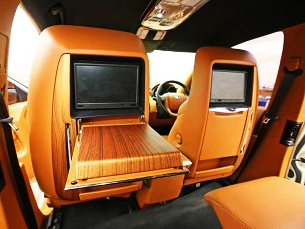 mahindra xuv5oo modified by dc design. Black Bedroom Furniture Sets. Home Design Ideas