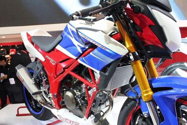 2013 Honda CB150R Streetfire - 003