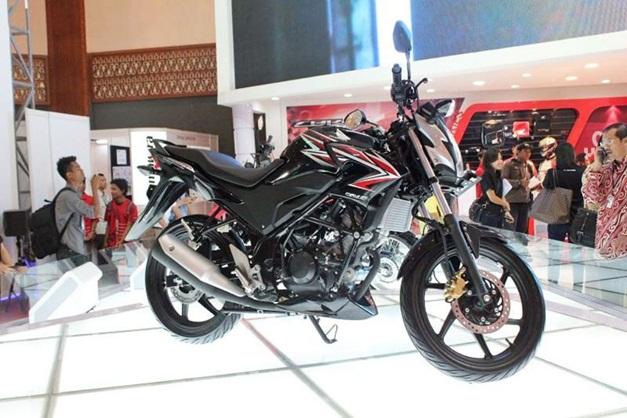 2013 Honda CB150R Streetfire - 001