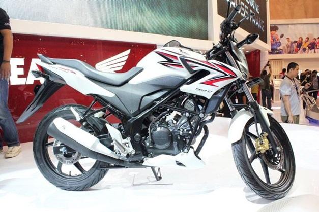 2013 Honda CB150R Streetfire - SideView