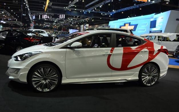 Hyundai Elantra at 2012 Thai Expo - SideView