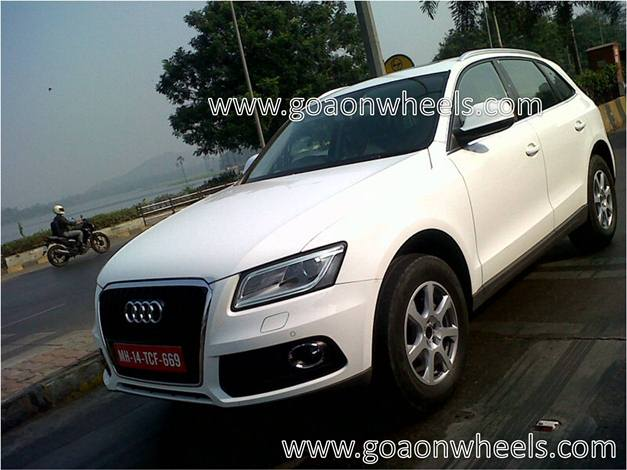 Audi Q5 facelift (spied image) - FrontView