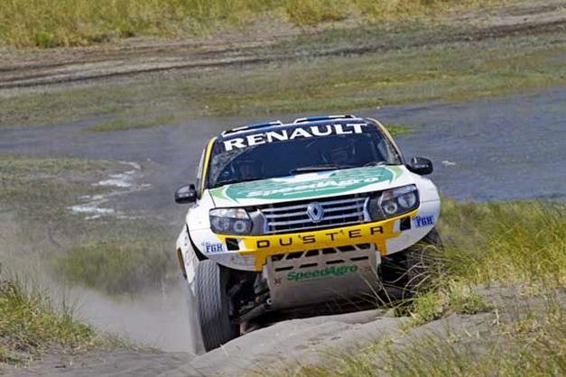 2013 Dakar Rally Renault Duster - 001