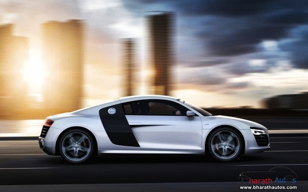 New Audi R8 - SideView