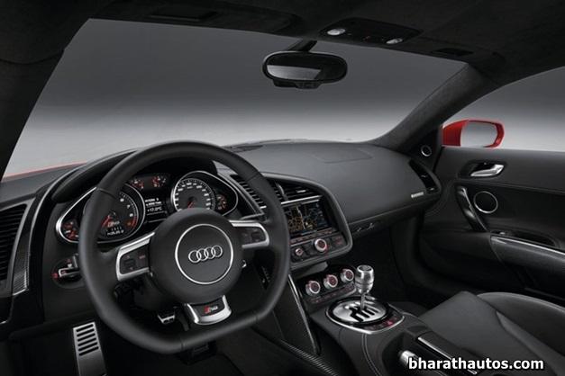 2013 Audi R8 sportscar - DashView