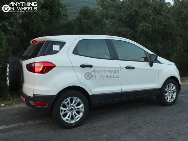 2013 Ford EcoSport Compact SUV - SideView1
