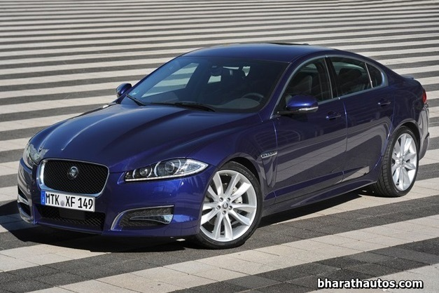 2013 Jaguar XF luxury sedan - 002
