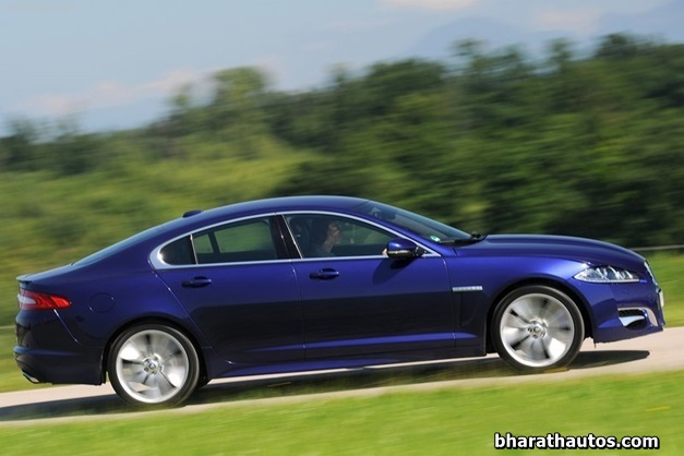 2013 Jaguar XF luxury sedan - 003