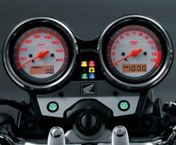 2013-Honda-VTR-250-VTR-250F-02
