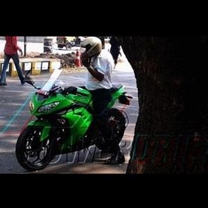 2013 Kawasaki Ninja 300R (spied)