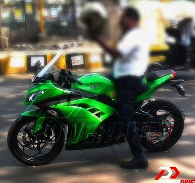 2013 Kawasaki Ninja 300R (spied) - SideView