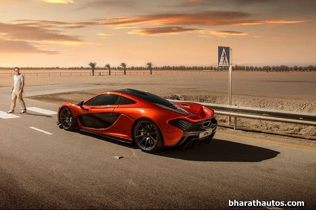 McLaren P1 supercar - RearView