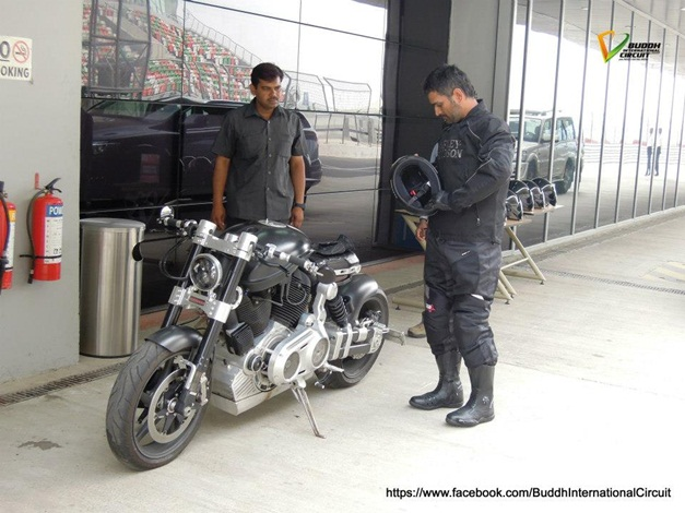MS Dhoni rides his X132 Hellcat at Buddh International Circuit