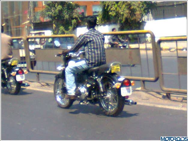Royal Enfield Classic 500 (spied) - 001