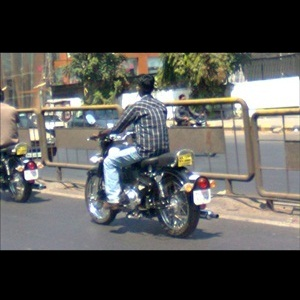 Royal Enfield Classic 500 (spied)