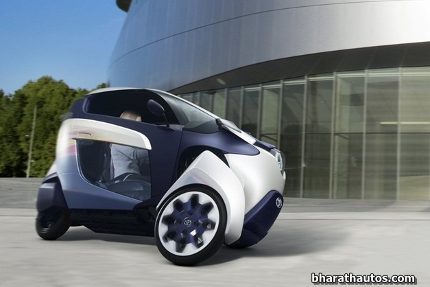 2013 Toyota i-Road Concept - FrontSideView
