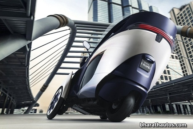2013 Toyota i-Road Concept - RearView