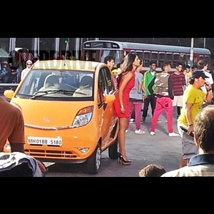 2013 Tata Nano facelift caught fully undisguised during ad-shoot