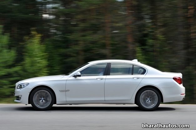 2013 BMW 7-Series - SideView