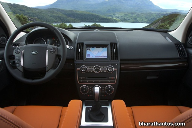 2013 Land Rover Freelander 2 - 001