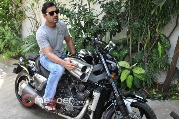 John Abraham gifts a Yamaha V-Max bike to director Sanjay Gupta - 004