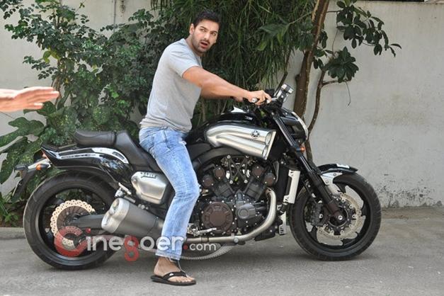 John Abraham with Yamaha V-Max motorcycle