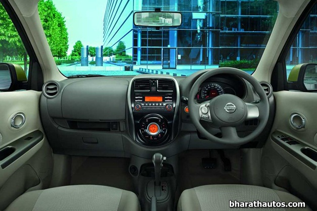 2013 Nissan Micra - DashView