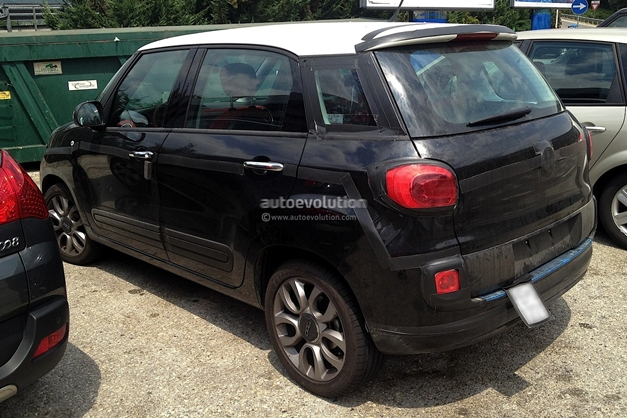 Fiat 500XL (spied) - SideView