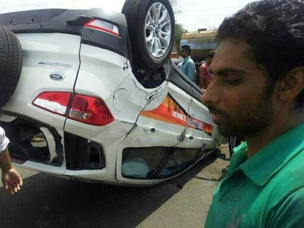 Ford-EcoSport-Toppled-Testdrive -Perumbavoor-Kochi-003