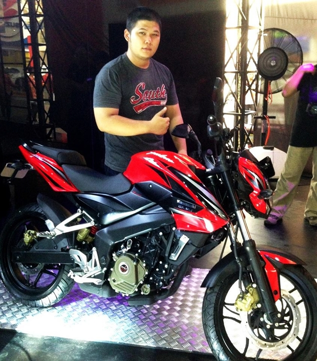 Pulsar 200NS Indonesia - 001