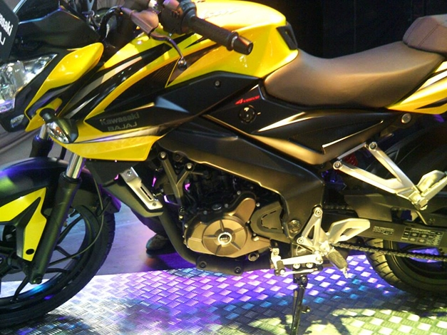 Pulsar 200NS Indonesia - 003