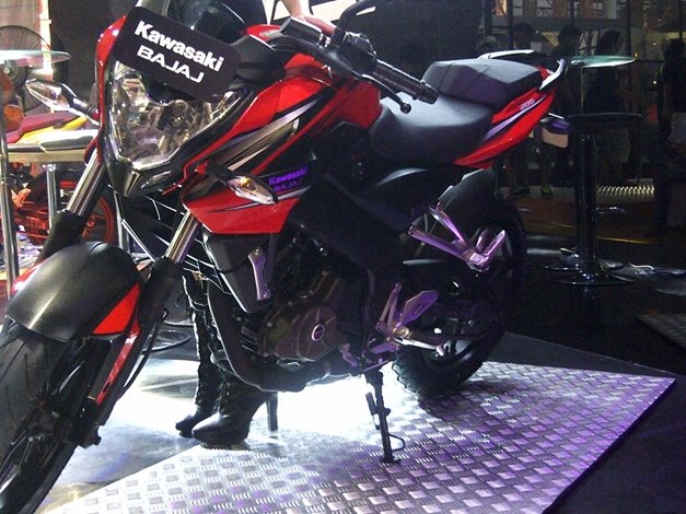 Pulsar 200NS Indonesia - 004