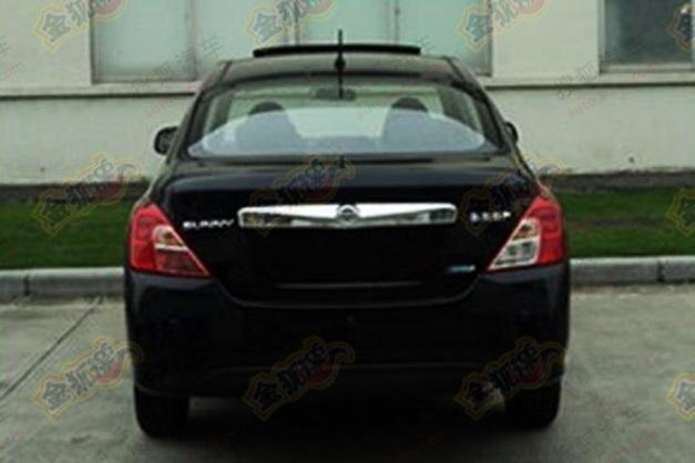 2014-Nissan-Sunny(Black)-facelift-Rearview