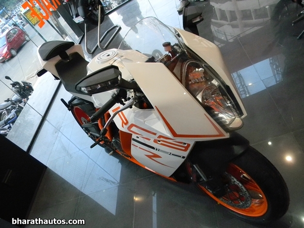 2013 KTM 1190 RC8 R Superbike - FrontView