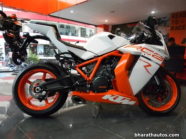 2013 KTM 1190 RC8 R Superbike - SideView