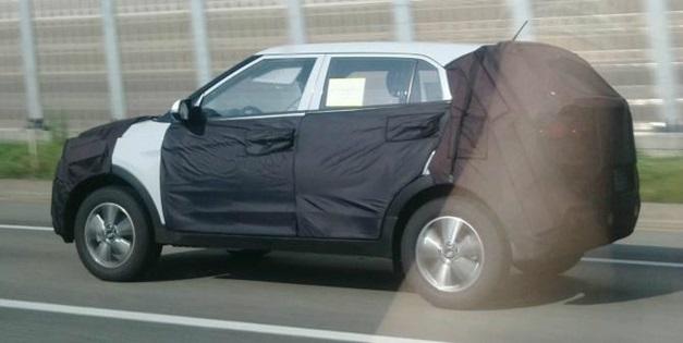 Hyundai-Compact-SUV-Spyshot-5