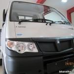 2013-Piaggio-Porter-1000-India-002