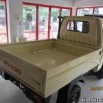 2013-Piaggio-Porter-600-India-004