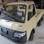 2013-Piaggio-Porter-600-India-006