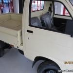 2013-Piaggio-Porter-600-India-007