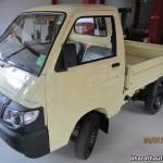 2013-Piaggio-Porter-600-India-020