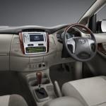 2013-toyota-innova-facelift-India-001