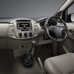 2013-toyota-innova-facelift-India-004