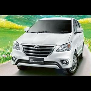 2013-toyota-innova-facelift-India