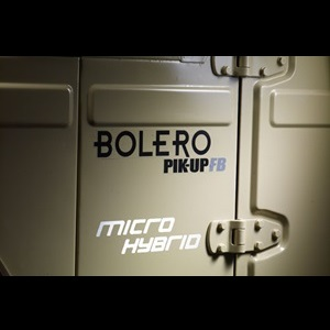2013-Mahindra-Bolero-Pick_Up-Flat_Bed-India