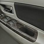 Toyota-Innova-Facelift-Wood-Finish-Armrest-Panel