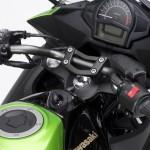 2014-kawasaki-ninja-400-sportsbike-cockpit